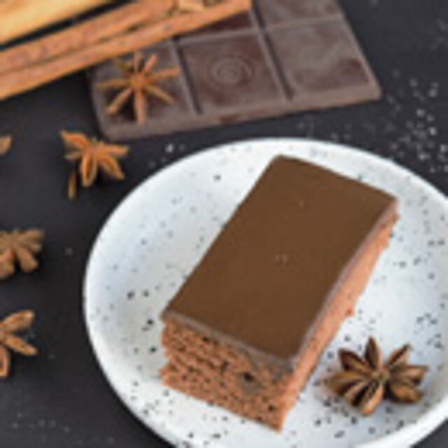 Vegane Lebkuchenschnitten mit Schokoladenganache, Foto: