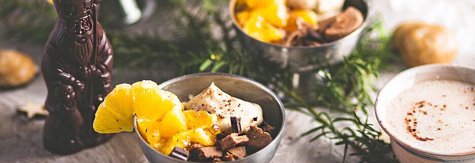 Veganer Tonka-Cashew-Joghurt mit Topping, Foto: Giulia D`Agate