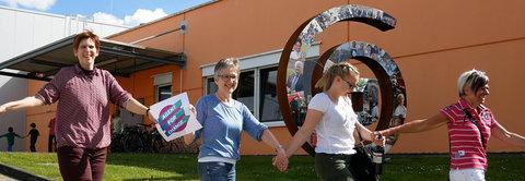 World Fair Trade Day: GEPA bildet Menschenkette