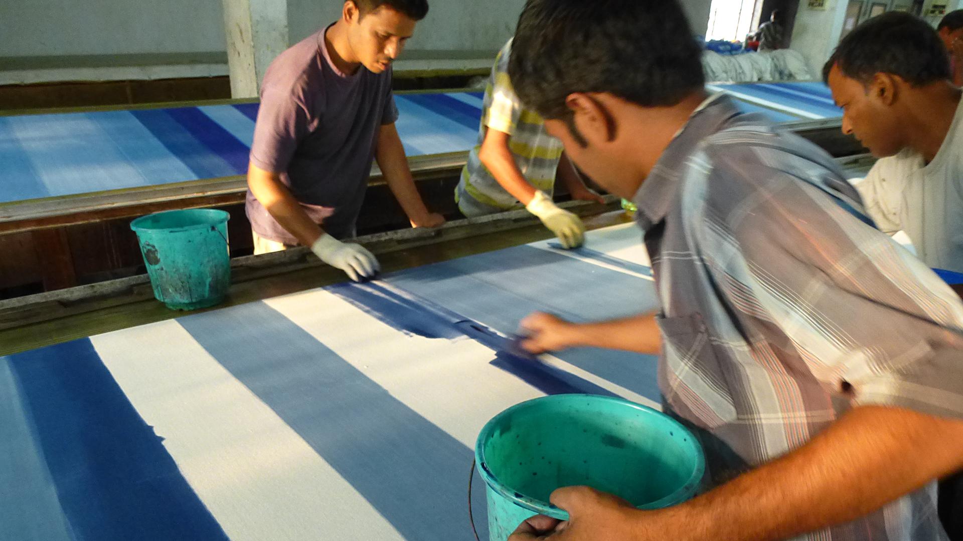 Vorfinanzierung: Von der GEPA können unsere Handwerkspartner eine zinsfreie Vorfinanzierung erhalten und an die Produzenten weitergeben. Sie benötigen sie, um Rohmaterial einkaufen zu können.