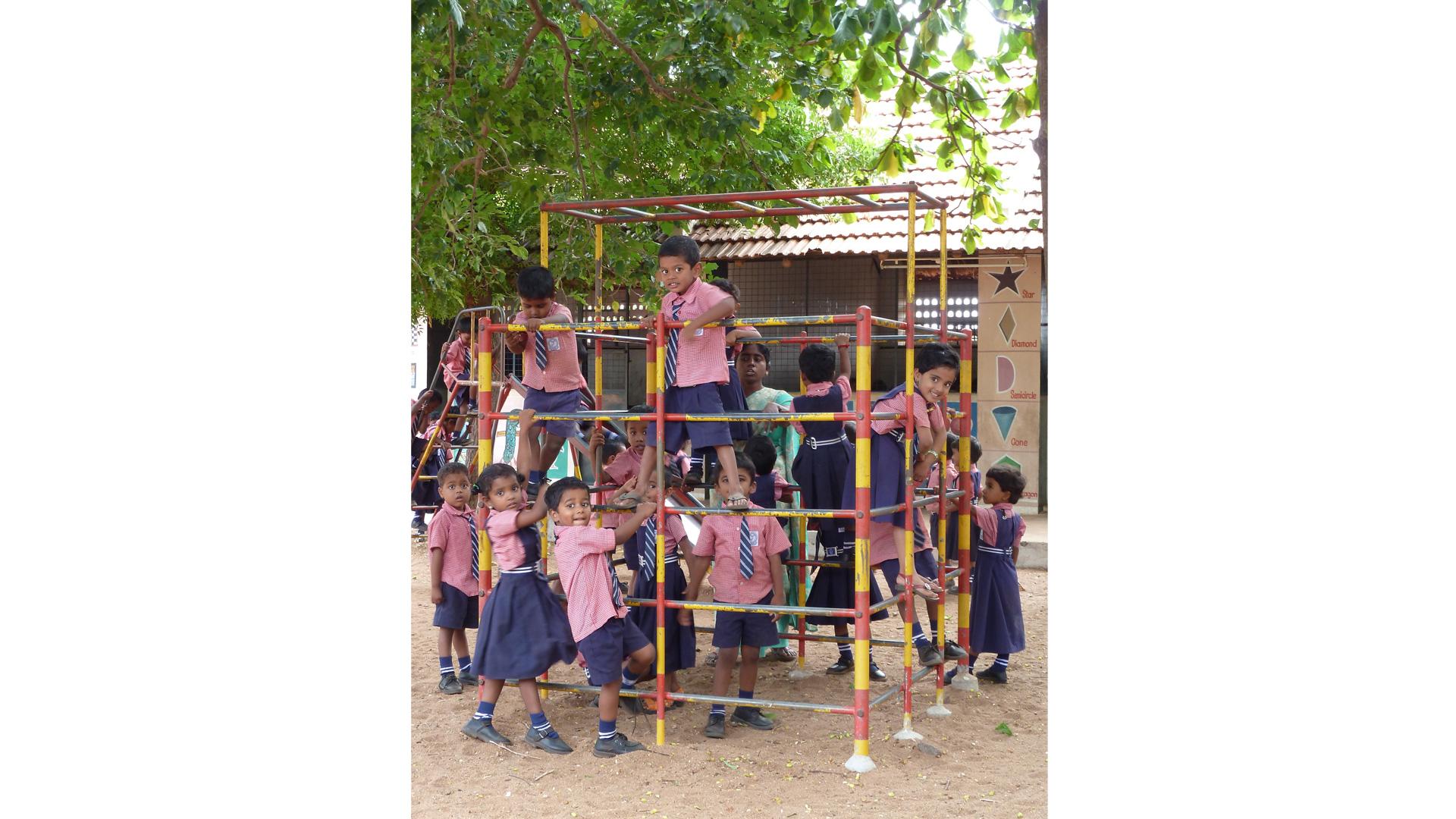 Zukunft für Kinder: Zum Palam Rural Centre gehört eine eigene Schule, an der die Kinder u. a. eine Computer-Ausbildung bekommen. Damit haben sie die Chance auf eine Berufsausbildung.
