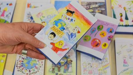 """""""Kinder haben Rechte"""": Kindermissionswerk 'Die Sternsinger' und die GEPA präsentieren neue Kinderrechte-Schokolade"""
